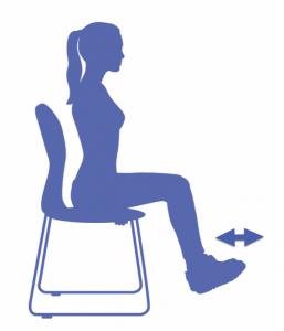 fitness para las piernas en la silla