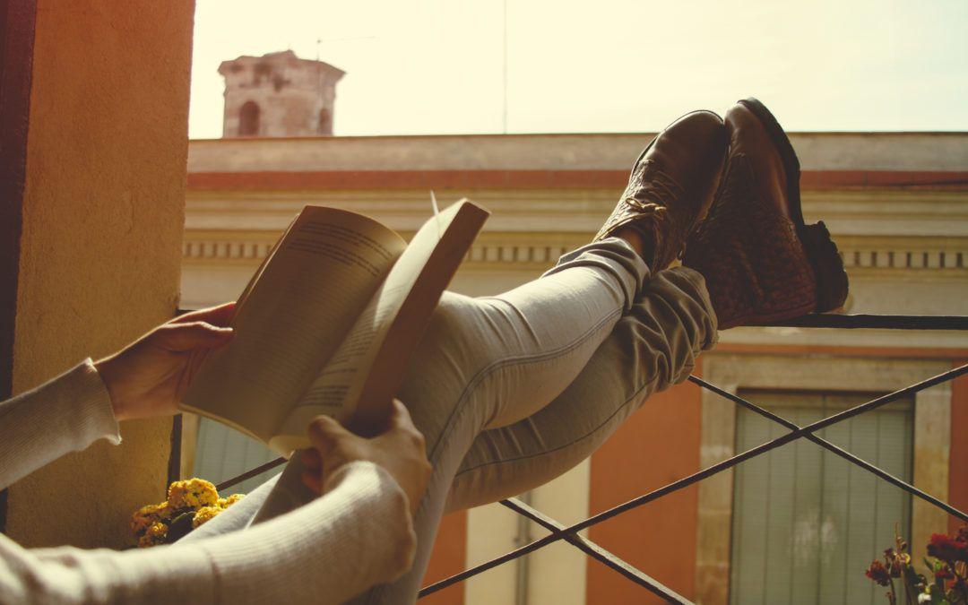 ¿Cómo se produce el edema en las piernas?